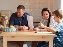 parents-helping-children-with-homework_SI